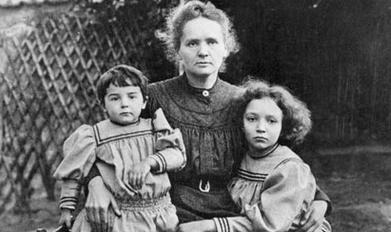 Marie Curie con le sue figlie
